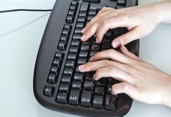 335x230-Bus1003-black-white-typing-keyboard-1.jpg